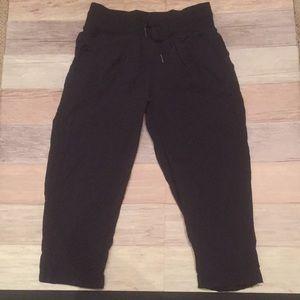 Soft lululemon workout pants small 4